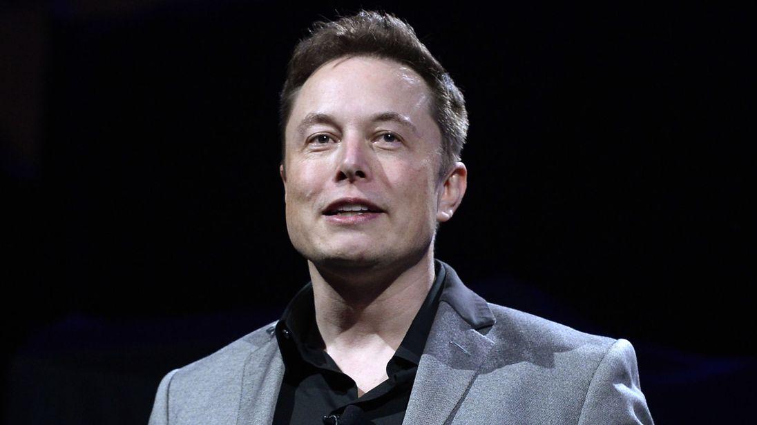 Elon Musk presentará el Hyperloop en diciembre