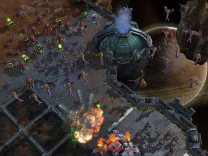 StarCraft 2 Wings of Liberty: Avance - Los Zerg