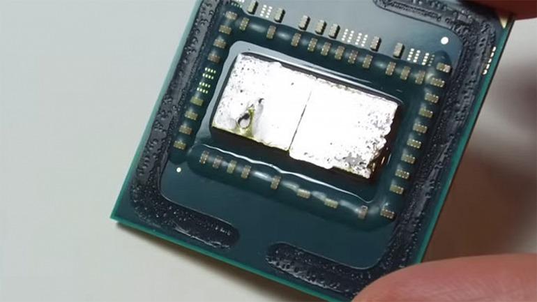 Prácticamente todos los procesadores que actualmente tiene AMD en el mercado tienen el IHS soldado.
